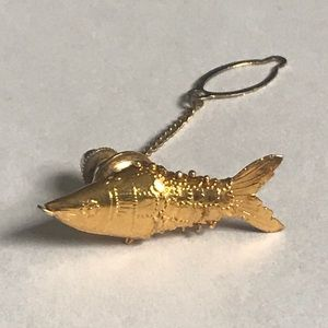 Gold Fish Brooch